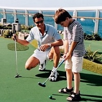 Ovation of the Seas - minigolf